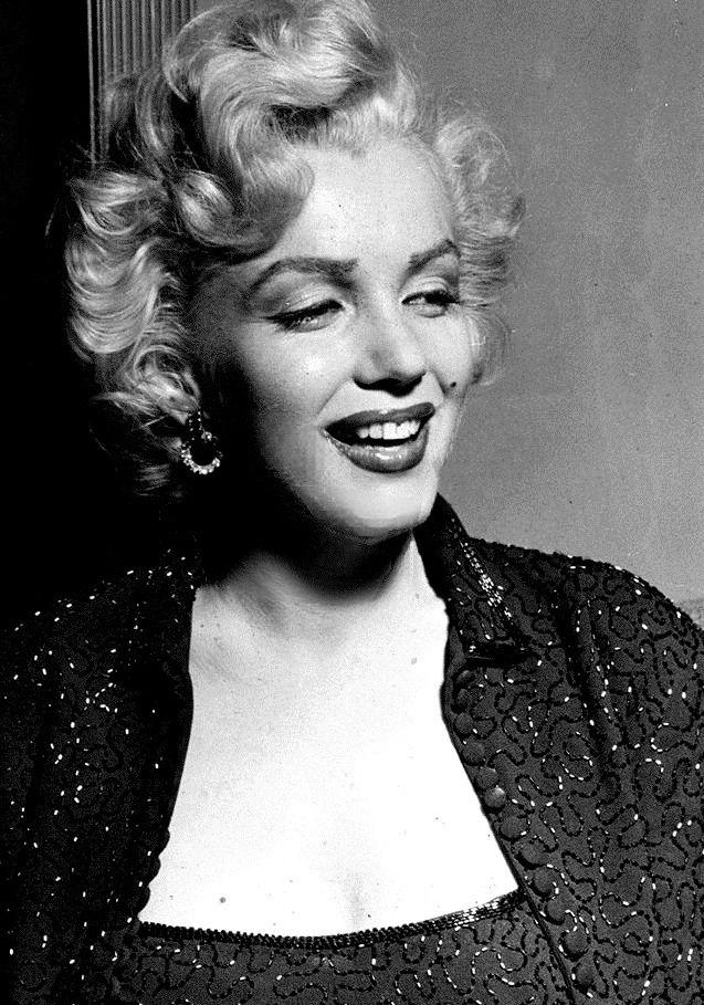 Marilyn Monroe At The Redbook Awards 1953 Marilyn Monroe Photos Marilyn Monroe Marilyn