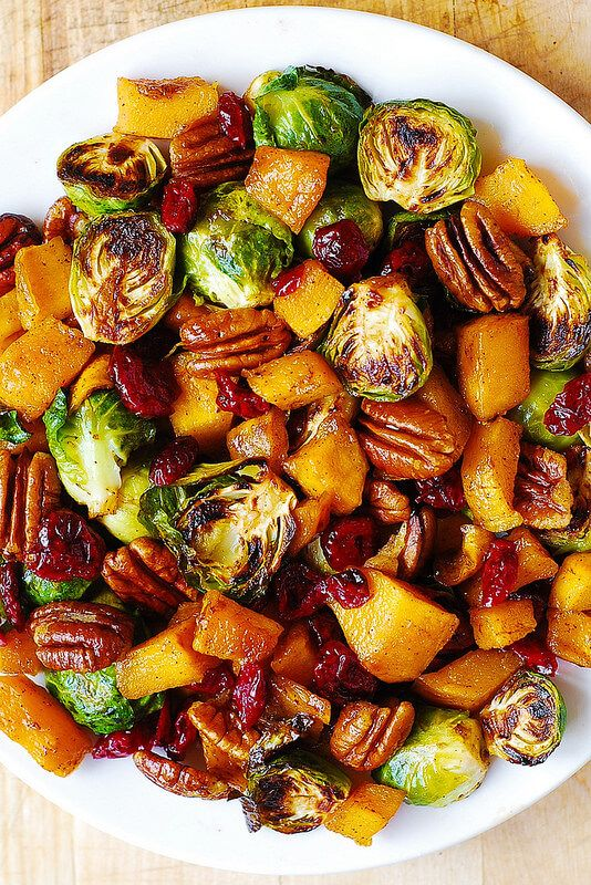Vegan Roasted Brussels Sprouts, Squash, Pecans, and Cranberries // Vegan Thanksgiving Dinner Recipes (Main Dish+Sides) | The Green Loot #vegan #Thanksgiving