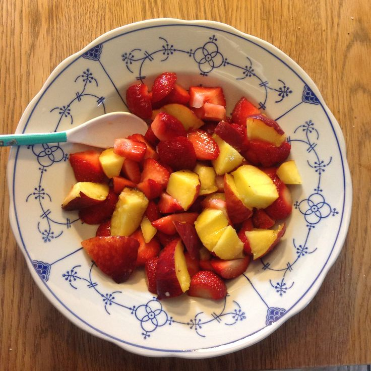 Peaches and strawberries for breakfast