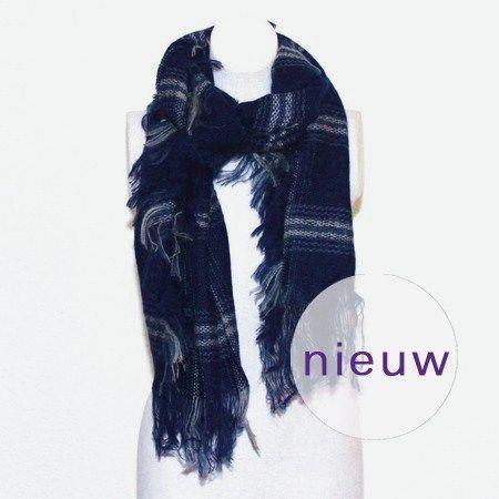 Marineblauwe geruite wintersjaal met franje #sjaal #nieuw  #winter #herfst #ruit