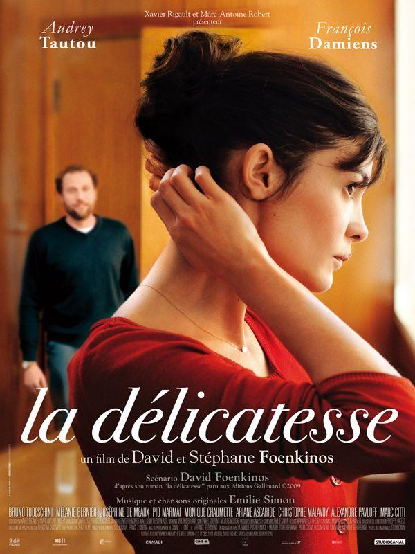 La Délicatesse est un film de David Foenkinos avec Audrey Tautou, François Damiens. Synopsis : Nathalie a tout pour être heureuse. Elle est jeune, belle, et file le parfait amour. La mort accidentelle de son mari va couper son élan. Pendant des