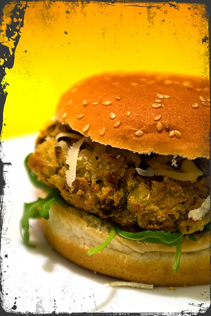Hamburger vegetariani (anche un po' vegani)   #vegan #vegetarian