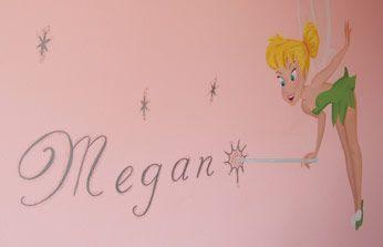 Tinkerbell-muurschildering-met-naam  Meisjeskamer naam op muur  Name mural children's bedroom