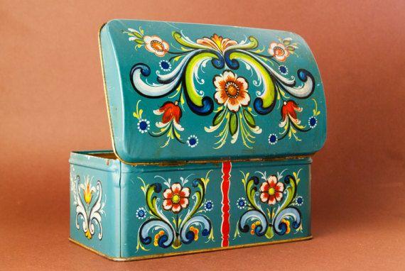 Vintage ANTIQUE TIN BOX Norwegian Decorative Rosemaling Container Norway Toleware - Collectors tin