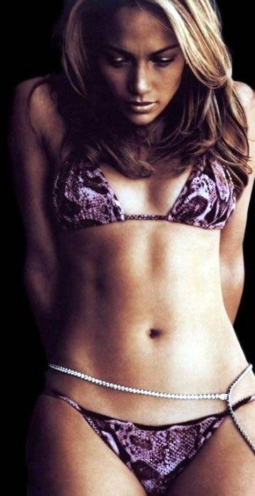 Six Days A Week Jennifer Lopez Starts Her Day With 90