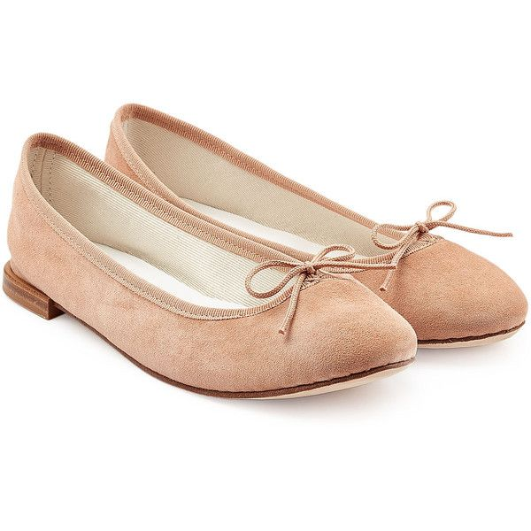 Repetto Suede Cendrillon Ballet Flats (€110) ❤ liked on Polyvore featuring shoes, flats, camel, ballet shoes flats, ballet pumps, ballerina flat shoes, ballet shoes and bow flats