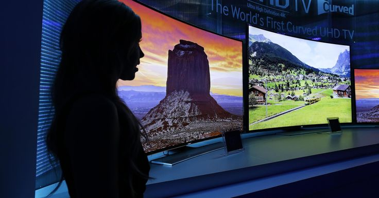 Are curved TVs worth the investment? Do you see a significant advantage over flat? The experts weigh in.