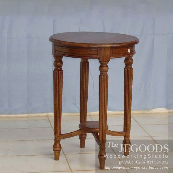 Classic colonial round table. We produce colonial side table furniture made of solid teak wood Indonesia. Best traditional #handmade craftsmanship with high quality at affordable price. #teakfurniture #sidetable #furniturefactory #furniturewarehouse #teaktable #colonialfurniture #indonesiafurniture