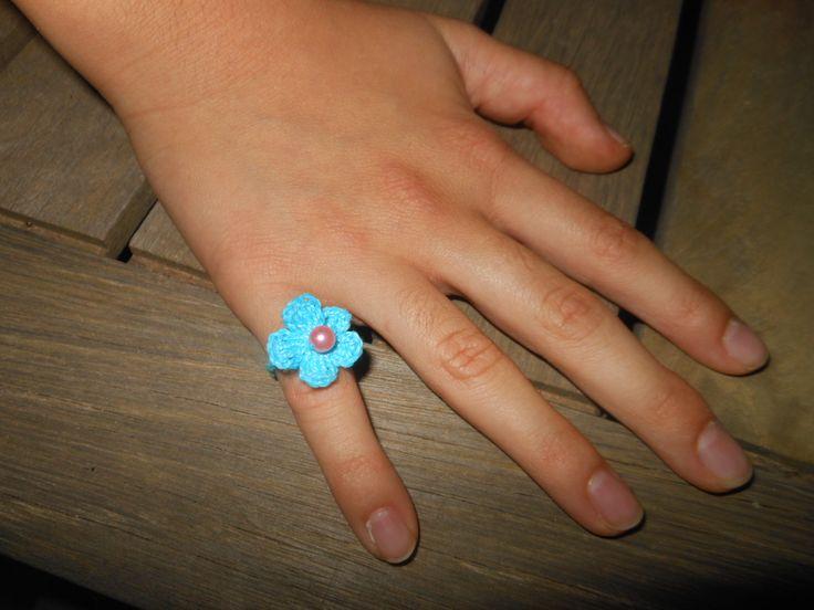 crochet ring  crystal beads / δαχτυλίδι βελονάκι με κρυσταλάκια