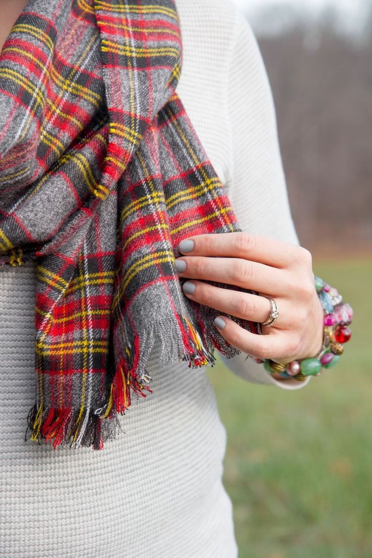 Learn how to make a No Sew Flannel Blanket Scarf for less than $10! It's an easy project that anyone can do.