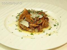 Tortellini di castagne ripieni di cinghiale e sugo di porcini: Ricette di Cookaround | Cookaround