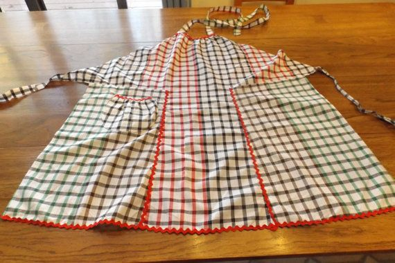 SALE  Vintage apron three color checkered. One size apron.