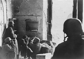 2. world war, italy theater of war, monte cassino battle (gustav - line):command post of a german paratrooper company in the ruins of a house in Cassinoearly april 1944 - pin by Paolo Marzioli