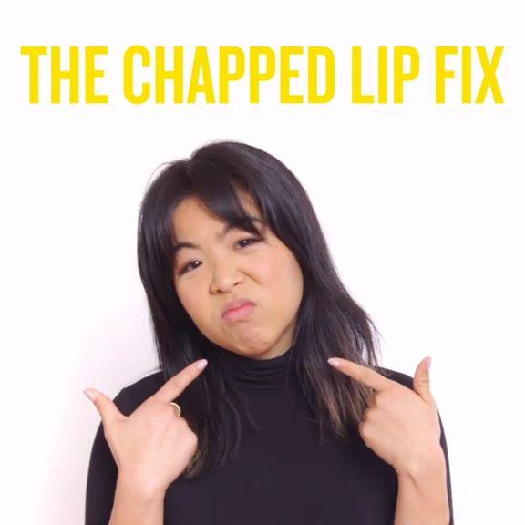 Kiss dry, chapped lips goodbye with this DIY lip scrub recipe.