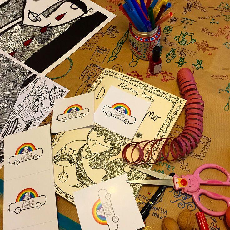 Sento una gran voglia di colorare intorno a me, di scoprire quali colori abbiamo dentro. L'ho scoperto proponendo i miei colouring book di cui ho già spiegatocome sono fatti, con che carta, come s...