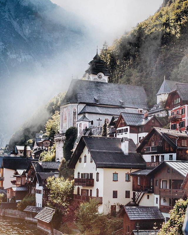 Location: Hallstatt Austria Photo: @margokoropova Tag: # ...