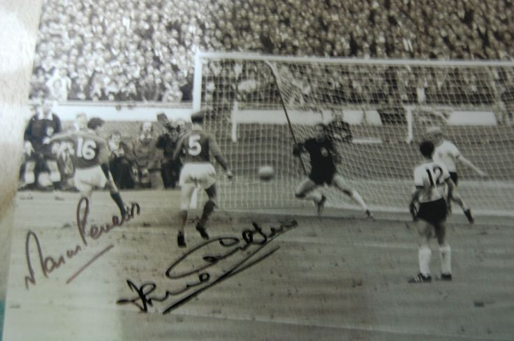 THIS ITEM IS A GENUINE SIGNED 10X8 PHOTO OF WORLD CUP 1966 WINNERS AND LEGENDS MARTIN PETERS AND JACK CHARLTON AND WAS PERSONALLY OBTAINED POST AND PACK UK £2.40 RECORDED OVERSEAS BUYERS £9.95   eBay!