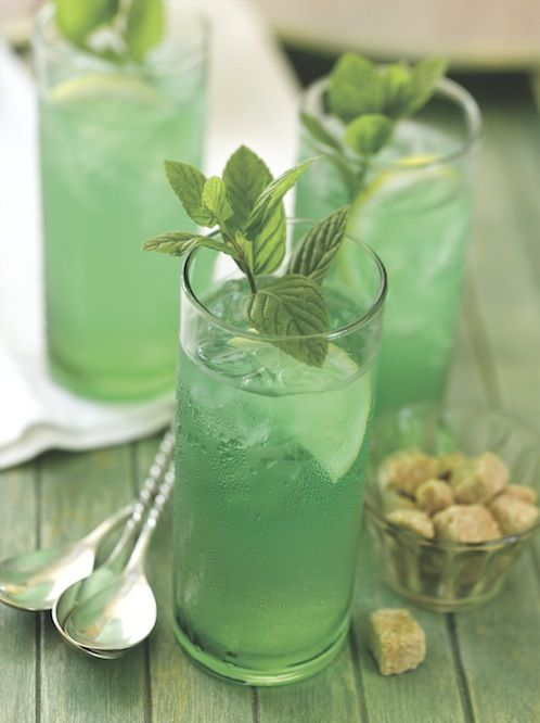 Va-Va-Voom Mint Iced Green Tea: Vibrantly green, and minty deliciousness that is perfect for St Patrick's Day. » Harvard Common Press