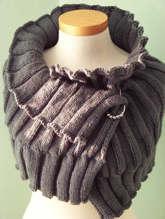 SELMA Knitting capelet pattern PDF by BernioliesDesigns on Etsy--possibly create with Tunisian crochet.