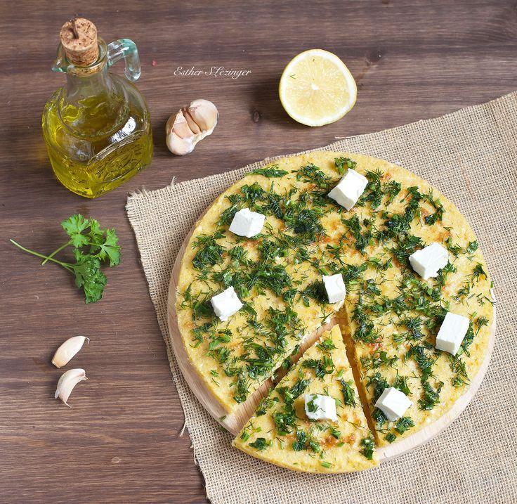 Очередной сытный и вкусный завтрак в итальянском стиле - диетическая фоккача с чесноком и травами. Это блюдо можно использовать как основу под диетическую пиццу или вот так, на завтрак, в виде закуски