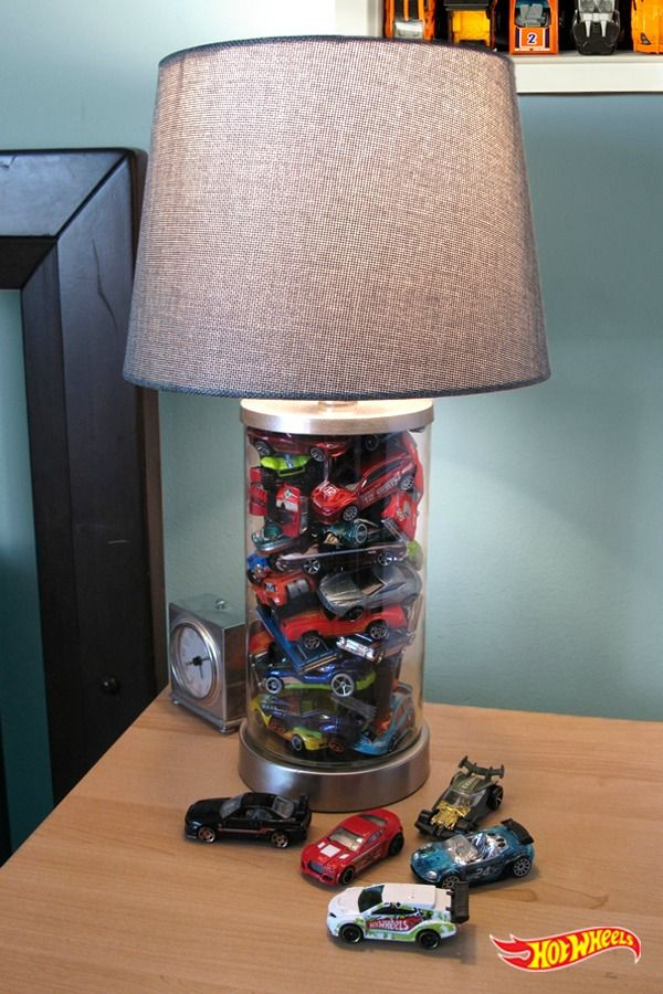 A simple trick to inspire high-octane dreams for your little champions. All you need is a lamp, some hot wheels cars, and glue.