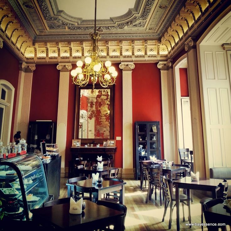 The best coffee in Valparaiso is at PuroCafé, this is their location in Palacio Lyon. A wonderful place for great coffee, history, and culture. | Comidas Con Onda | www.bayessence.com