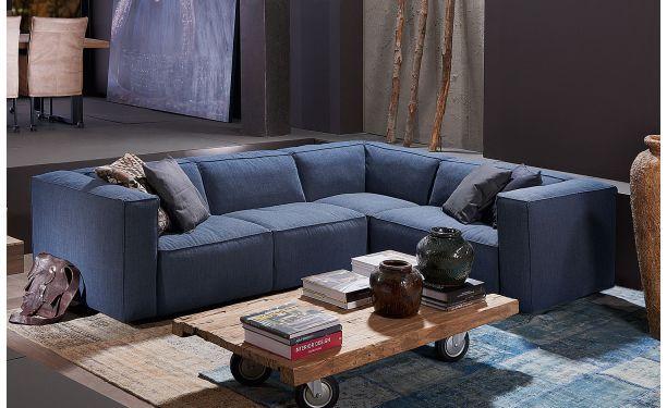 Remco, een heerlijk kubistisch zitmeubel met een ongekend prettig zitcomfort.Goossens wonen