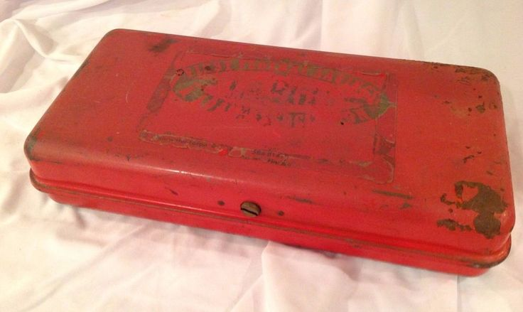 VINTAGE FIRST FEDERAL SAVINGS BANK RED METAL RUST CASH SAFE STRONG LOCK BOX #Unknown