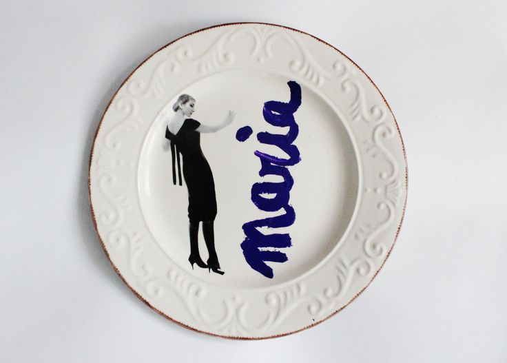 Bellissimo piatto decorativo da appendere, dedicato a Maria Callas! Decoupage e scritta a mano per uno stile davvero particolare! 27,5cm di IlluminoHomeIdeas su Etsy