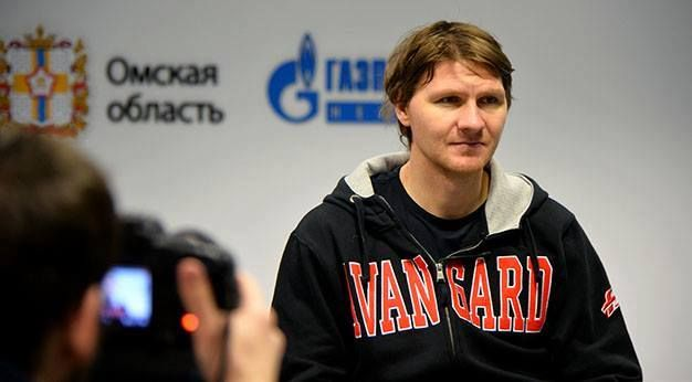 10 Martin erat   2016/17   HC  Komet   from Avangard  2015/16  https://www.facebook.com/MartyEratCzSk/photos/a.157689254399711.1073741831.154409604727676/555234994645133/?type=3