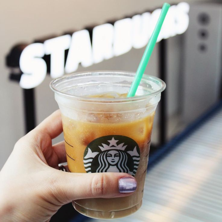 NEW Starbucks Cold Brew // cold coffee // Starbucks coffee // Vanilla Sweet Cream Cold Brew