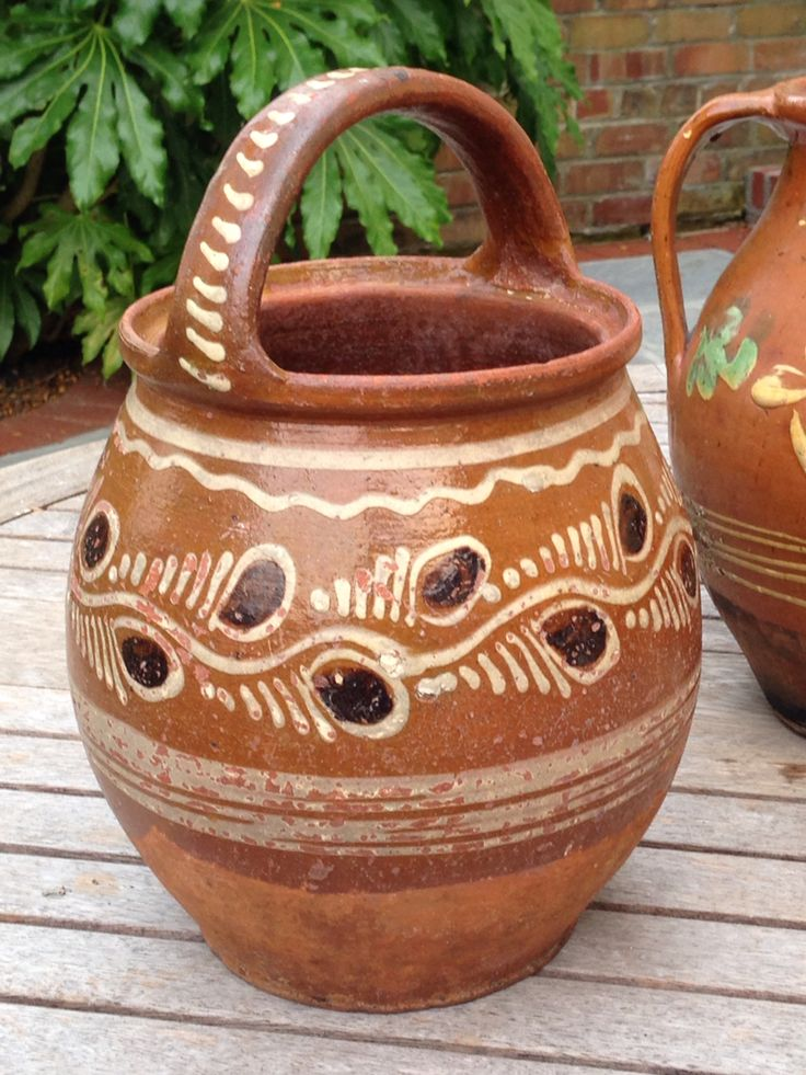 Hungarian slipware bucket-pot. 19th or 20th century.