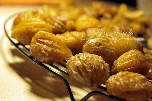 Oggi vi propongo la ricetta dei marron glacè. Con dei piccoli accorgimenti possiamo gustare un eccellente prodotto di pasticceria famoso nel mondo ma pre...