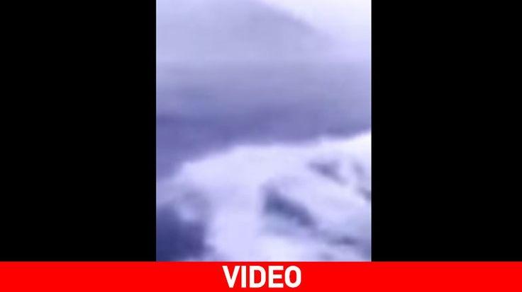 Σποράδες: Tο πλοίο «ΠΡΩΤΕΥΣ» παλεύει με τα κύματα