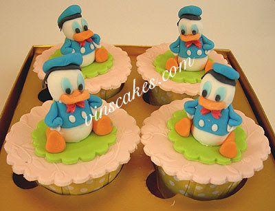 Les gâteaux de Vin - Gâteau d'anniversaire et de petit gâteau - Petit gâteau de mariage - Bandung Jakarta Gâteaux Boutique en ligne: Pooh, Tinkerbell, et Donald Duck Cupcake Set