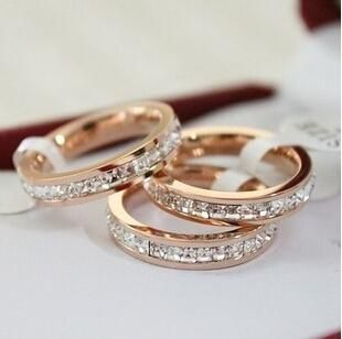 Betina holte wedding rings