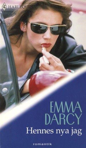Harlequin Romantik - Hennes nya jag (Emma Darcy) Begagnad Harlequin bok i bra skick ---- Byt in dina utlästa böcker hos oss mot andra! Vi köper, säljer och byter allt
