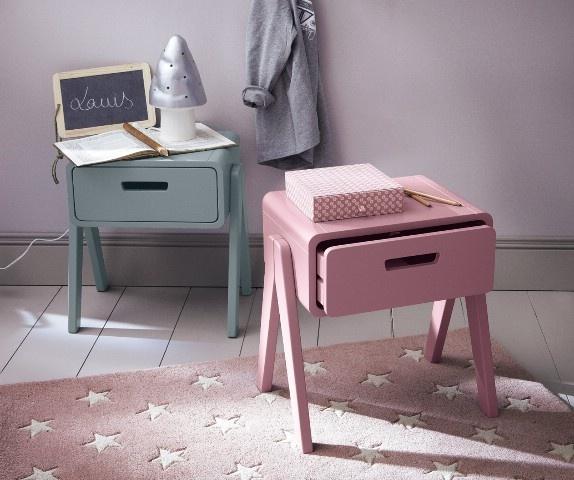Laurette - de la fabrication, aux finitions, chaque meuble Laurette passe entre les mains d'artisans soucieux de qualité et de détails