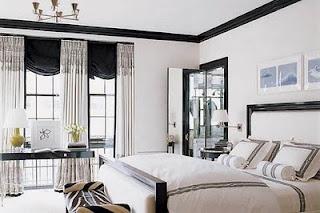 black + white + mirrored doors: Elle Decor, Black And White, Black White, Master Bedrooms, White Bedrooms, Window Treatments, Black Trim, Crowns Moldings, White Wall