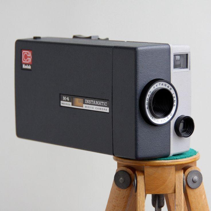 Uszkodzona - nie działa po włożeniu baterii. #vintage #vintagefinds #vintageshop #forsale #design #midcentury #midcenturymodern #kodak #instamatic #camera