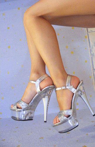 tag høje hæle på for at få lange ben