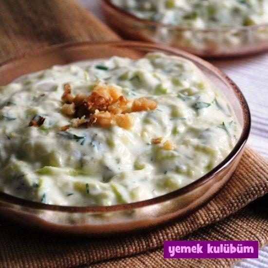 Yoğurtlu Pirinçli Kabak Salatası nasıl yapılır, resimli Yoğurtlu Pirinçli Kabak Salatası yapımı yapılışı, Yoğurtlu Pirinçli Kabak Salatası tarifi
