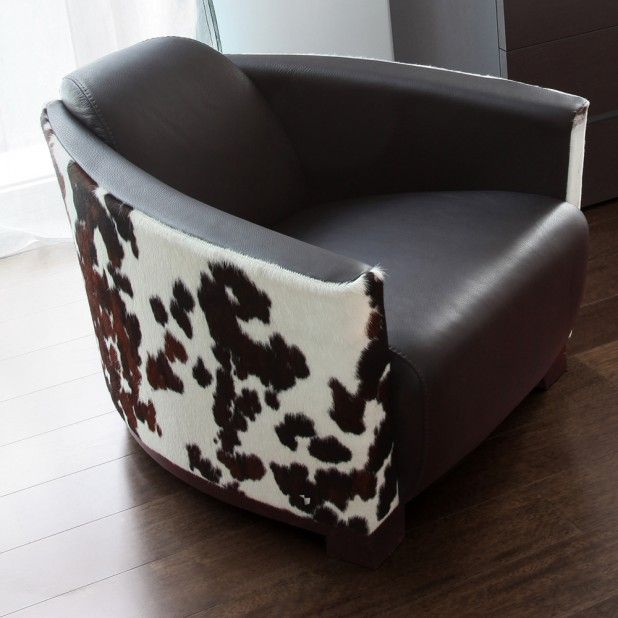 """The Hotel Swivel can serve as a statement chair in any interior, with highly customizable colour schemes. Seat Height: 16"""""""