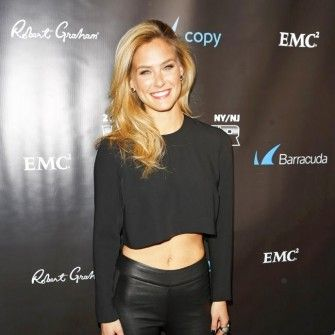 Bar Refaeli sets wedding date - marrying businessman Adi Ezra