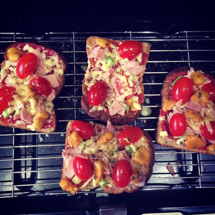 Slimming world pizza toast   Slimming World   Pinterest ...