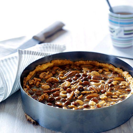 Karameltærte med nødder -http://www.dansukker.dk/dk/opskrifter/karameltaerte-med-noedder.aspx #dansukker #opskrift #karamel #tærte #kage #nødder #spis #eat #lækkert #snack #food #mad #inspiration
