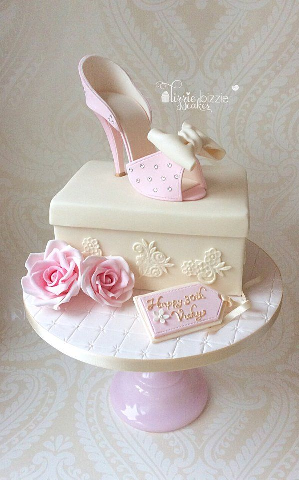 Cake Designs Shoes : Best 25+ Shoe Cakes ideas on Pinterest Fondant shoe ...