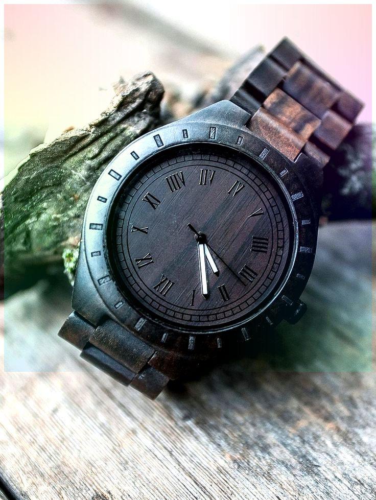 Braune Hölzerne Uhr Maßgeschneiderte Uhr Freund Jubiläum