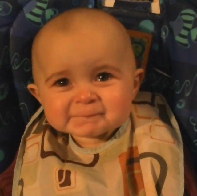 MAMO WIESZ ...?     GALERIA: Film - wzruszenie dziecka podczas śpiewu mamy