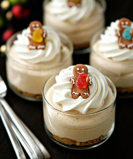 Gingerbread Oreo No Bake Mini Cheesecakes | Don't be fooled by their tiny si…